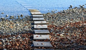 stairs-in-water-under-the-surface