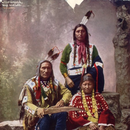 chief_little_wound_and_family